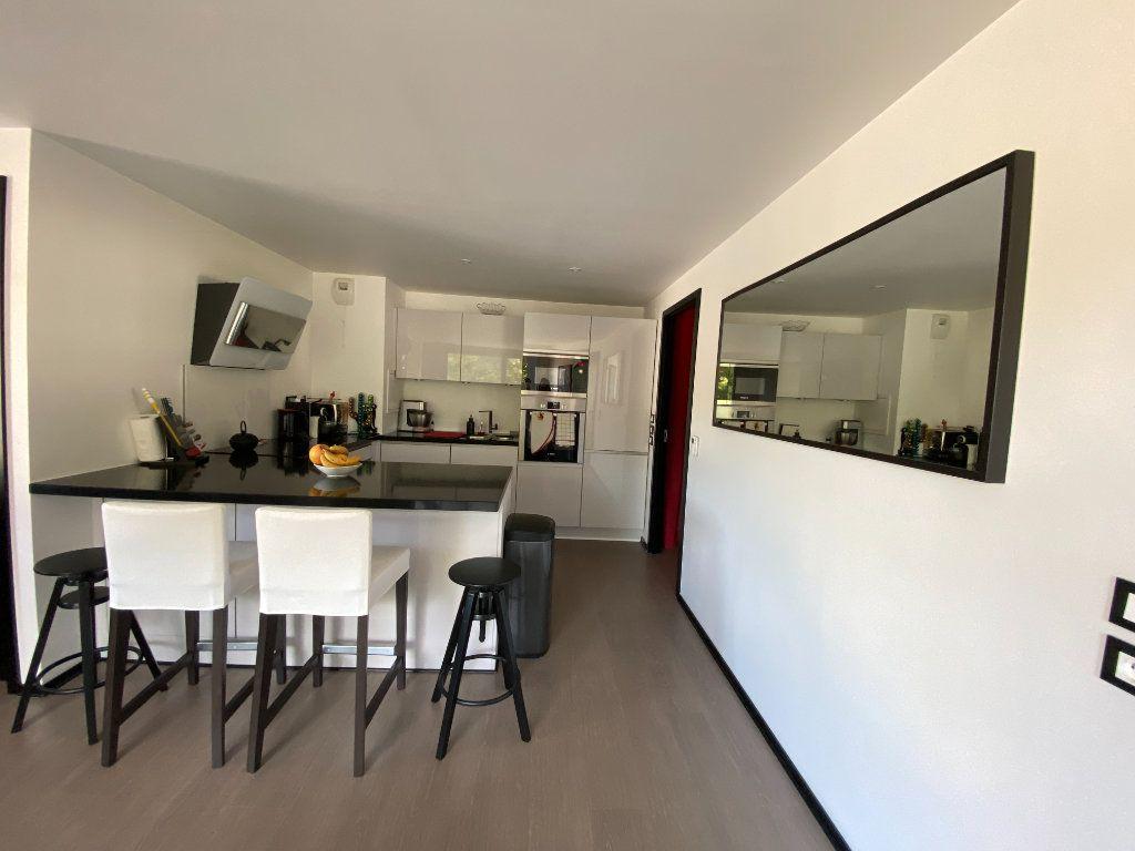 Appartement à louer 3 63m2 à Noisy-le-Sec vignette-4