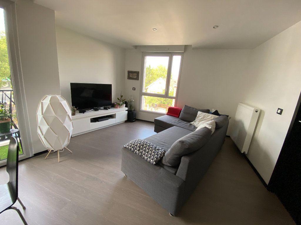 Appartement à louer 3 63m2 à Noisy-le-Sec vignette-5
