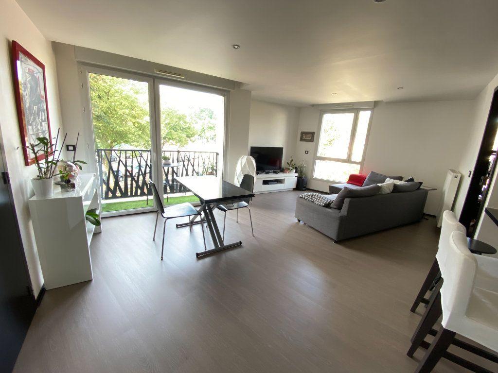 Appartement à louer 3 63m2 à Noisy-le-Sec vignette-6