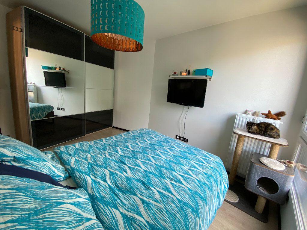 Appartement à louer 3 63m2 à Noisy-le-Sec vignette-10