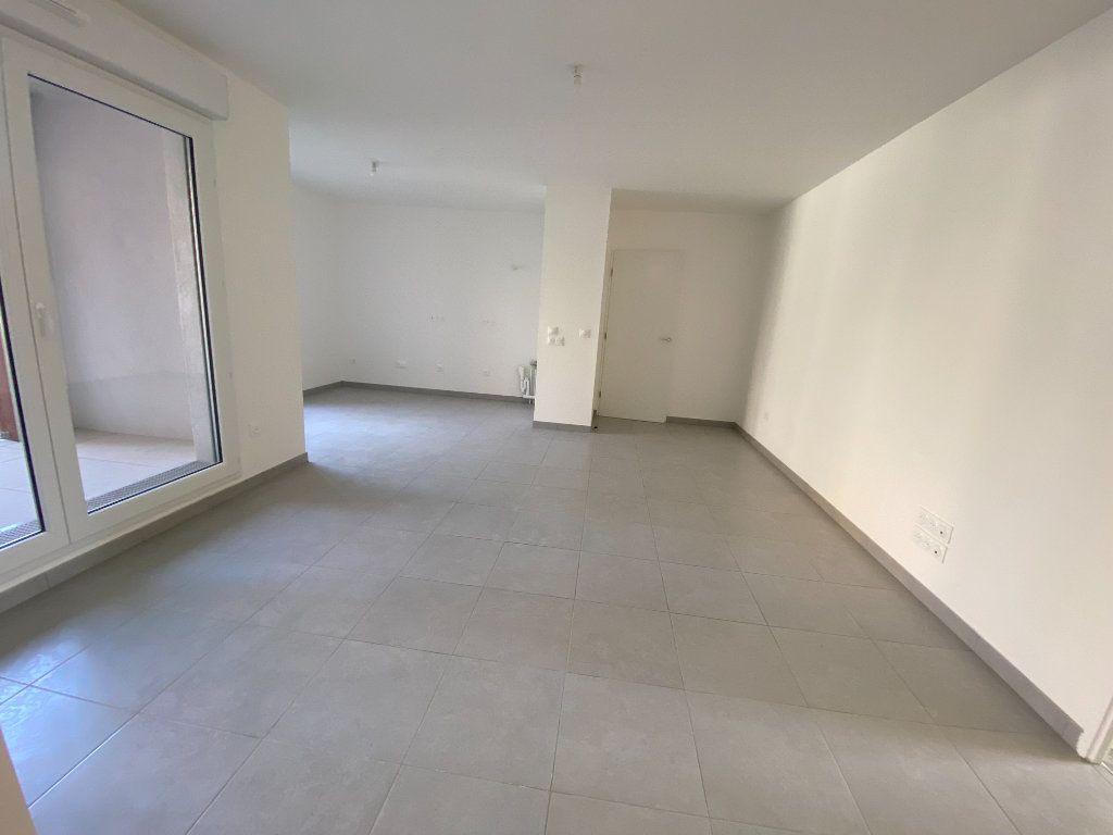 Appartement à louer 4 77m2 à Noisy-le-Sec vignette-4
