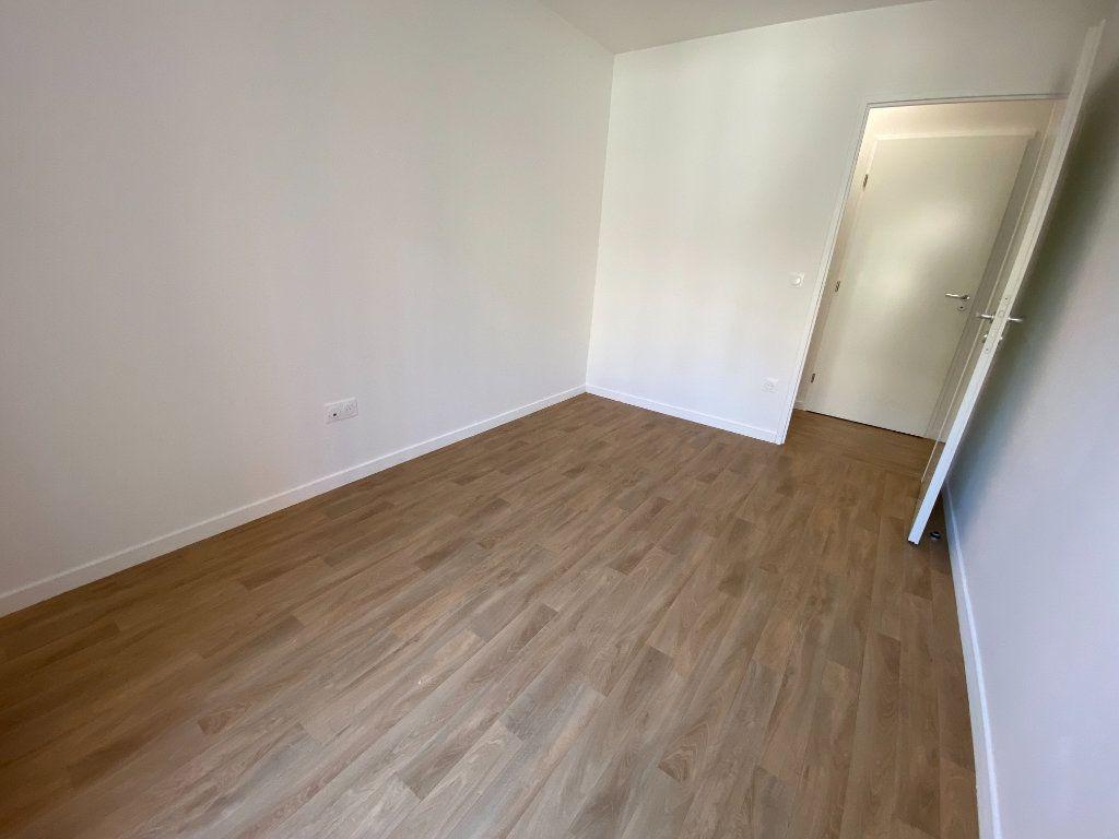 Appartement à louer 4 77m2 à Noisy-le-Sec vignette-13