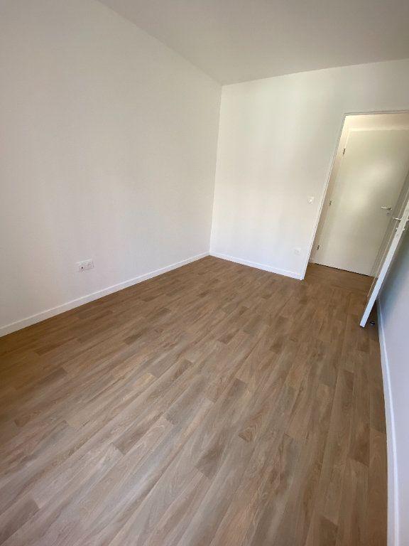 Appartement à louer 4 77m2 à Noisy-le-Sec vignette-14