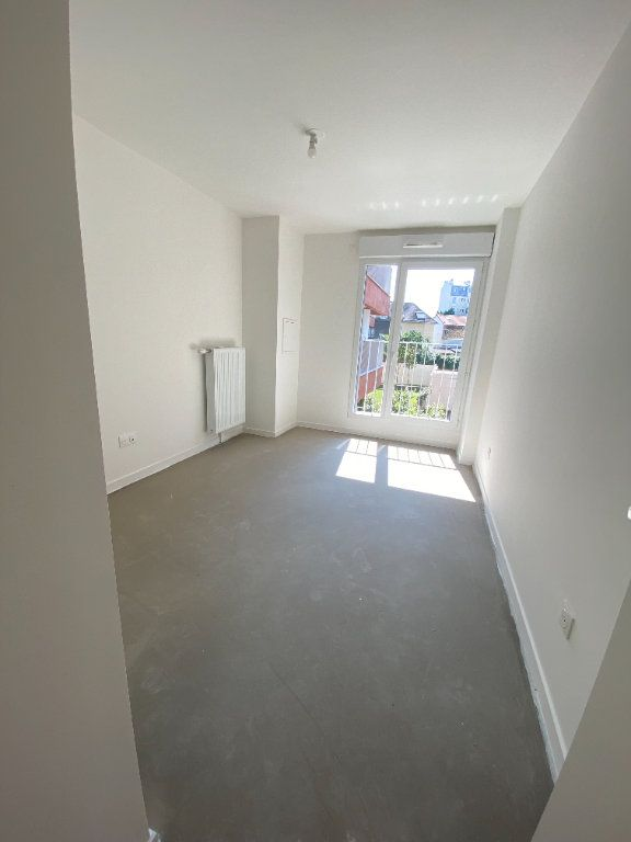 Appartement à louer 4 77m2 à Noisy-le-Sec vignette-16