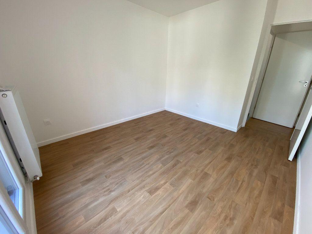 Appartement à louer 4 77m2 à Noisy-le-Sec vignette-18