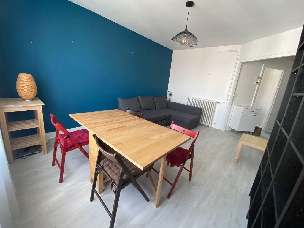 Appartement à louer 3 58m2 à Romainville vignette-3