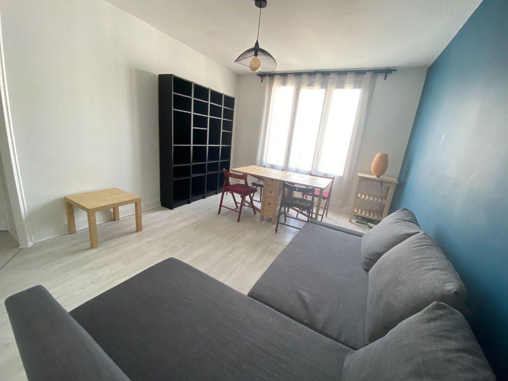 Appartement à louer 3 58m2 à Romainville vignette-4