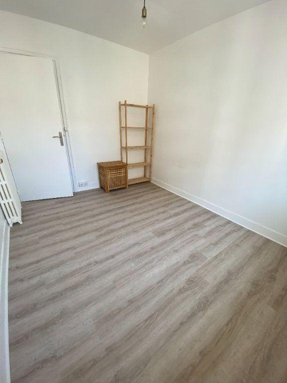 Appartement à louer 3 58m2 à Romainville vignette-9