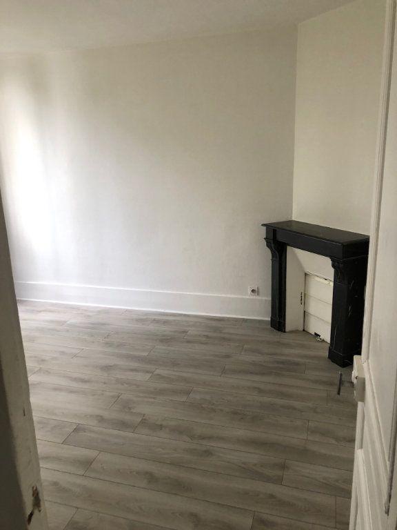 Appartement à louer 3 43.55m2 à Noisy-le-Sec vignette-3