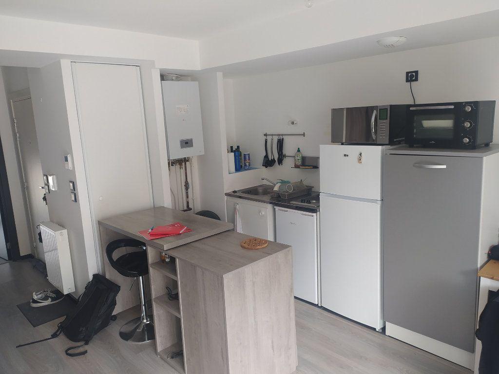 Appartement à louer 1 29.59m2 à Romainville vignette-1