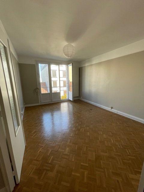 Appartement à louer 3 56.51m2 à Romainville vignette-1