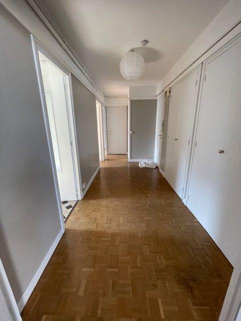 Appartement à louer 3 56.51m2 à Romainville vignette-3