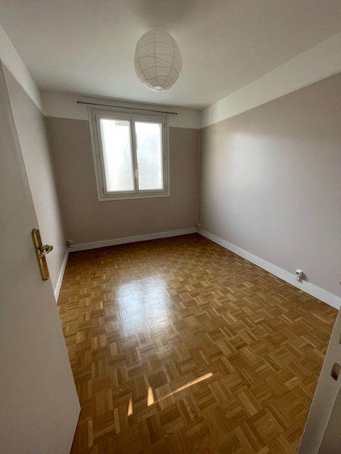Appartement à louer 3 56.51m2 à Romainville vignette-4