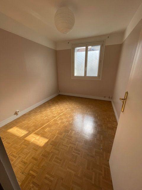 Appartement à louer 3 56.51m2 à Romainville vignette-5