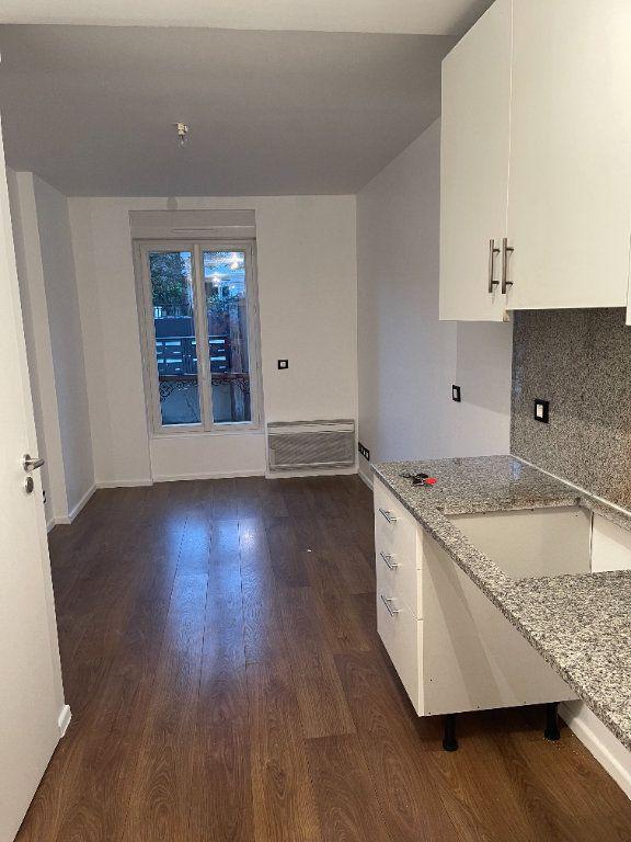Appartement à louer 1 26m2 à Saint-Maur-des-Fossés vignette-1