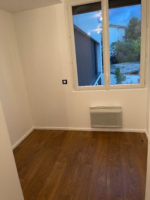 Appartement à louer 1 26m2 à Saint-Maur-des-Fossés vignette-4