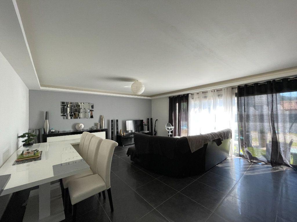 Maison à vendre 4 110m2 à Brignoles vignette-3