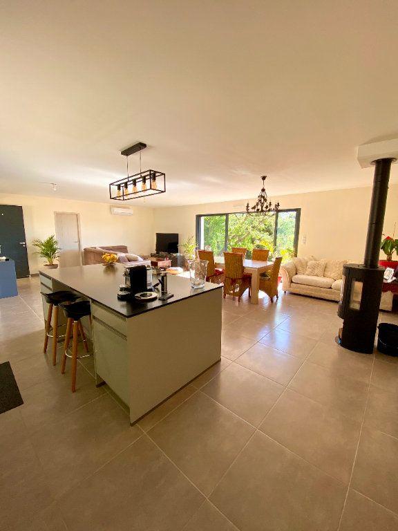 Maison à vendre 6 132.42m2 à Saint-Maximin-la-Sainte-Baume vignette-5