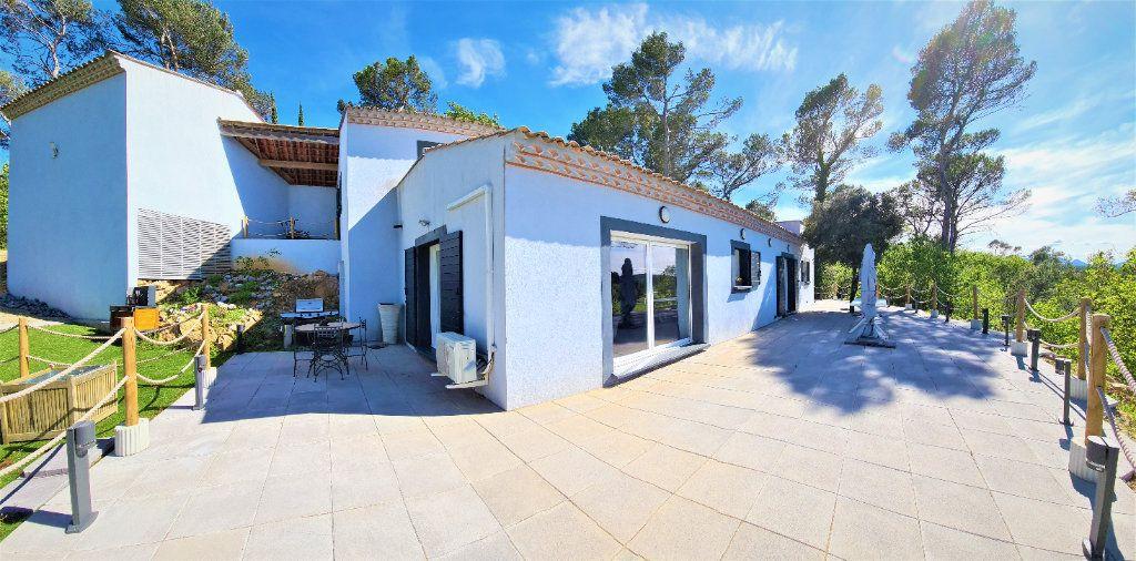 Maison à vendre 4 130m2 à Brignoles vignette-1