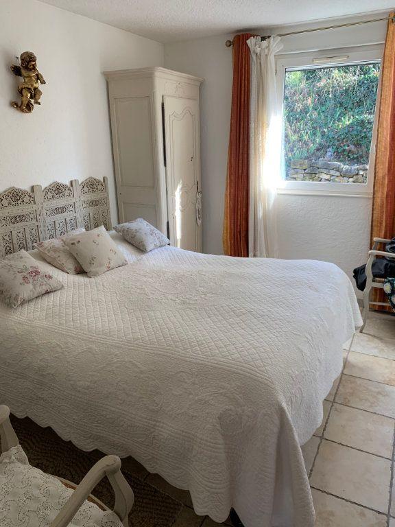 Maison à vendre 4 100m2 à Saint-Maximin-la-Sainte-Baume vignette-2