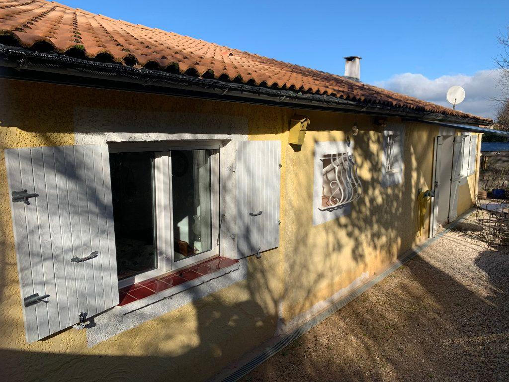 Maison à vendre 4 100m2 à Saint-Maximin-la-Sainte-Baume vignette-6