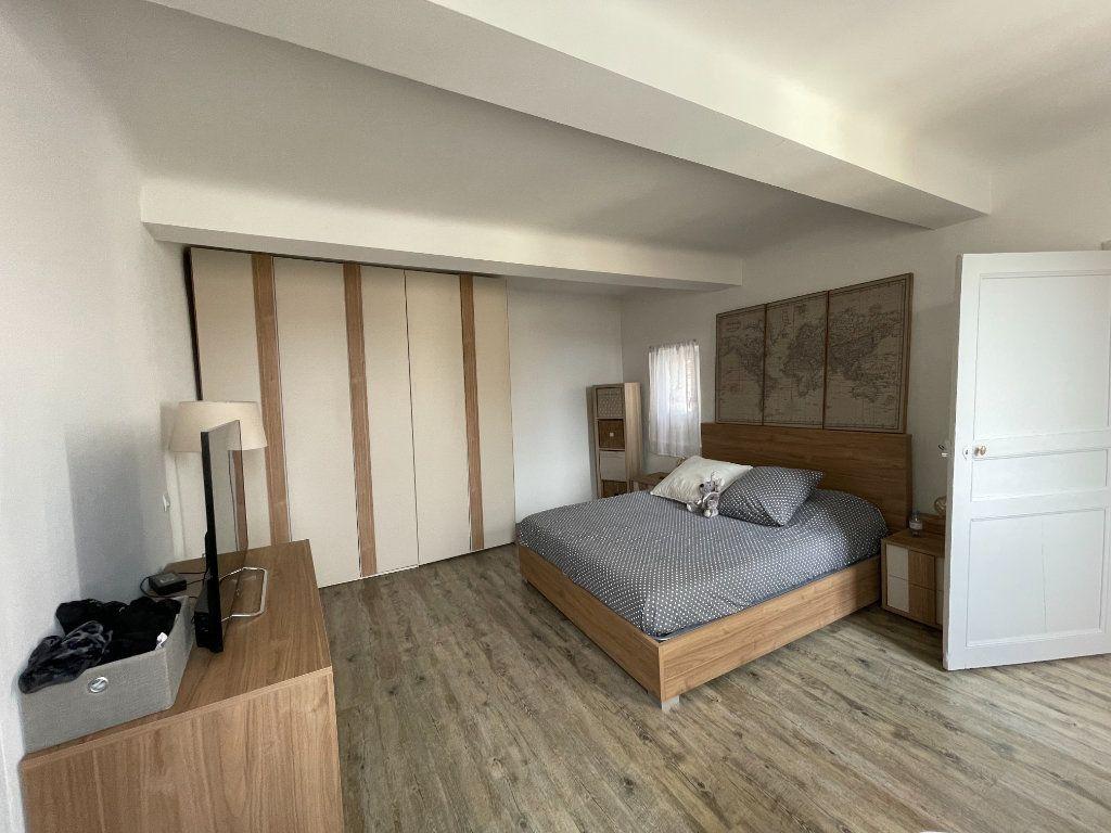 Maison à vendre 4 150m2 à Camps-la-Source vignette-4