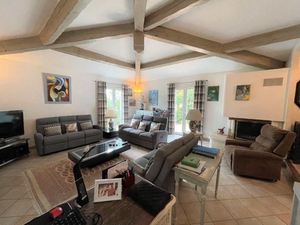 Maison à vendre 5 145m2 à Brignoles vignette-2