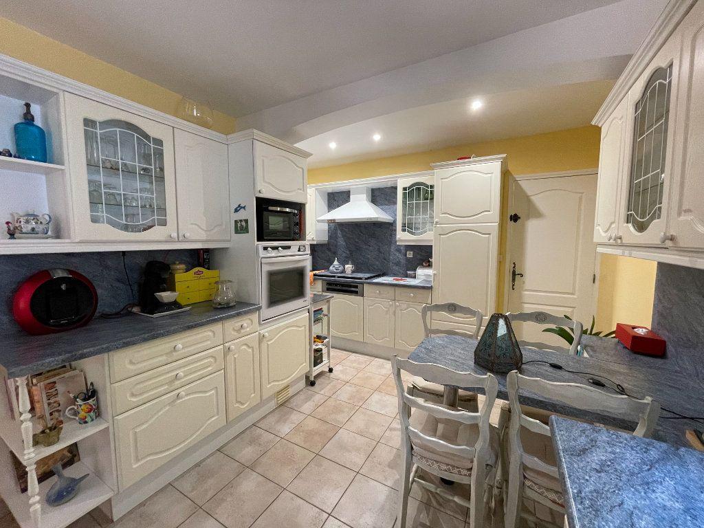 Maison à vendre 5 145m2 à Brignoles vignette-3