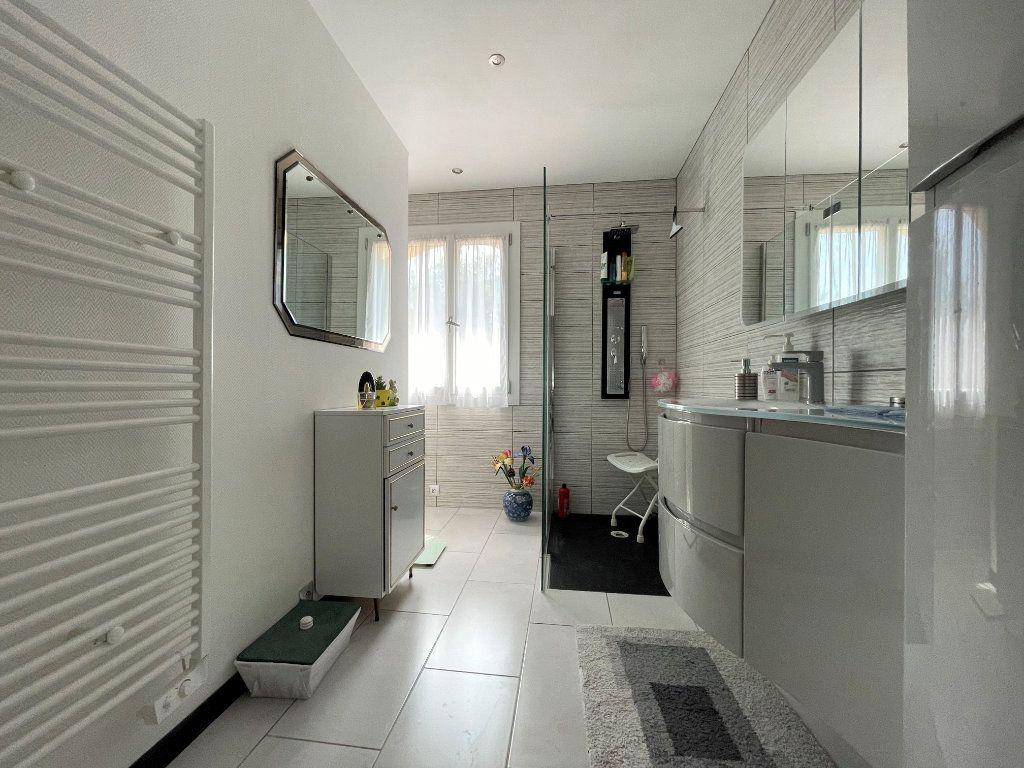 Maison à vendre 5 145m2 à Brignoles vignette-4