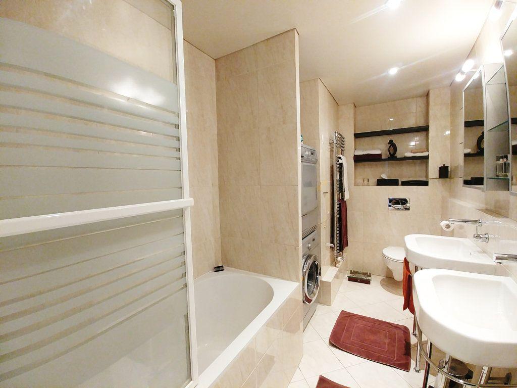 Appartement à vendre 5 115.67m2 à Saint-Gratien vignette-3