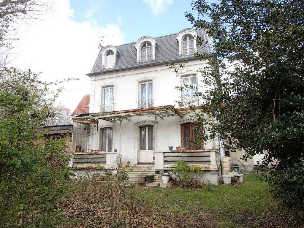 Maison à vendre 10 295m2 à Saint-Gratien vignette-1