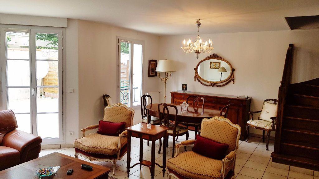 Maison à vendre 8 141.45m2 à Saint-Gratien vignette-4