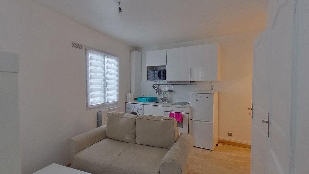 Appartement à louer 1 24m2 à Saint-Gratien vignette-2