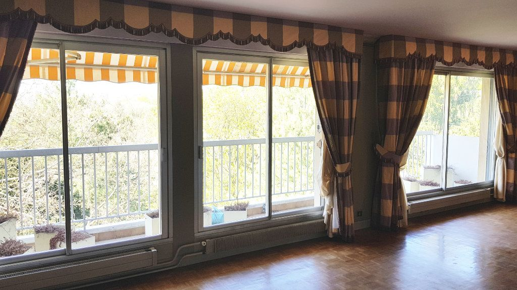 Appartement à vendre 6 132.9m2 à Montmorency vignette-1