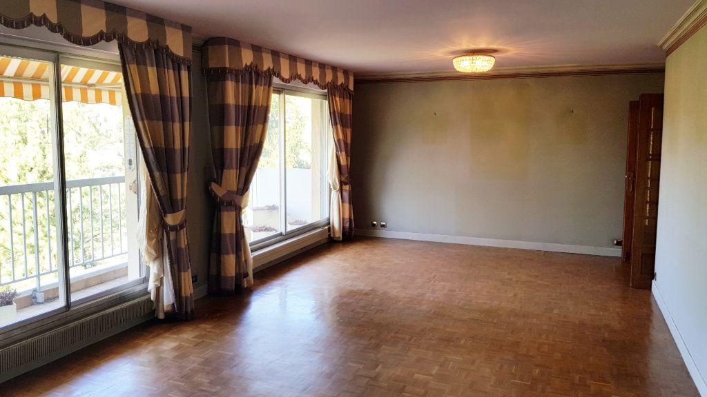 Appartement à vendre 6 132.9m2 à Montmorency vignette-2