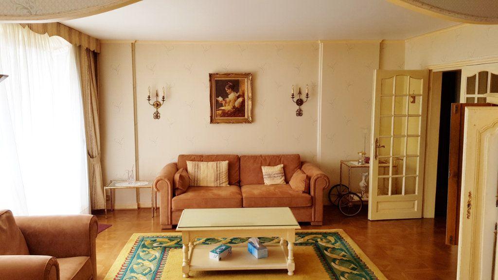 Appartement à vendre 5 102m2 à Saint-Gratien vignette-4