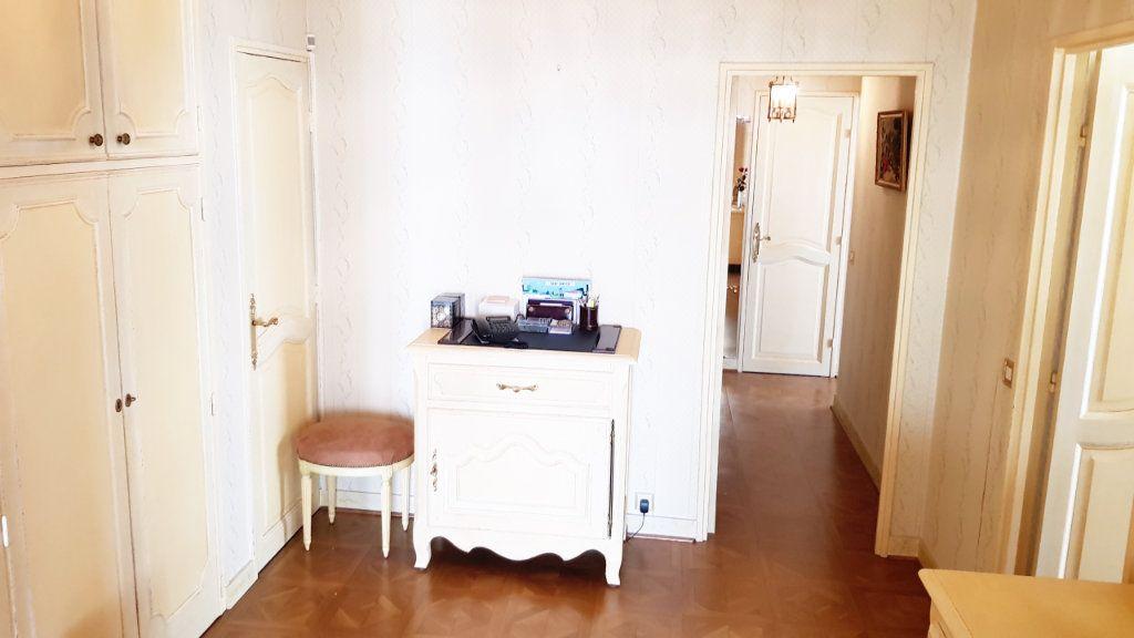 Appartement à vendre 5 102m2 à Saint-Gratien vignette-6