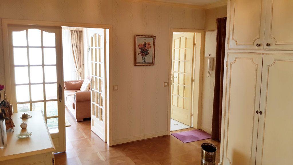 Appartement à vendre 5 102m2 à Saint-Gratien vignette-8