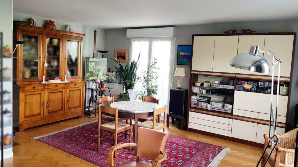 Appartement à vendre 3 64.3m2 à Saint-Gratien vignette-2