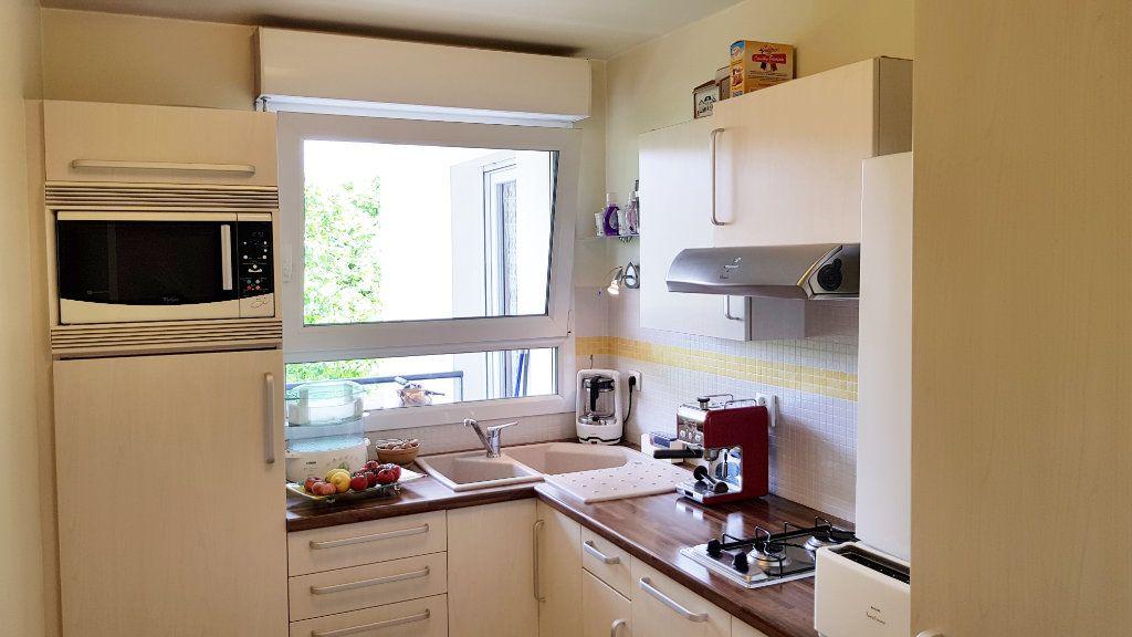 Appartement à vendre 3 64.3m2 à Saint-Gratien vignette-6