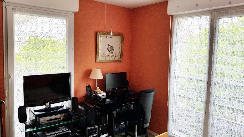 Appartement à vendre 3 64.3m2 à Saint-Gratien vignette-8