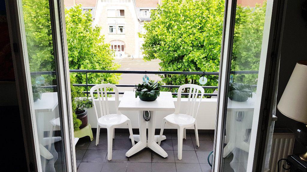 Appartement à vendre 3 64.3m2 à Saint-Gratien vignette-9