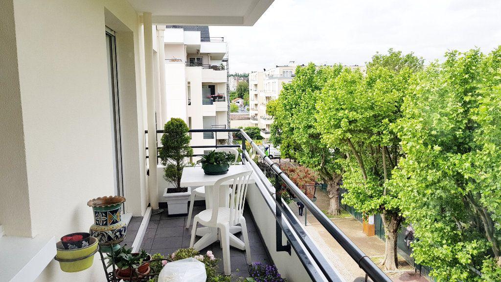 Appartement à vendre 3 64.3m2 à Saint-Gratien vignette-10