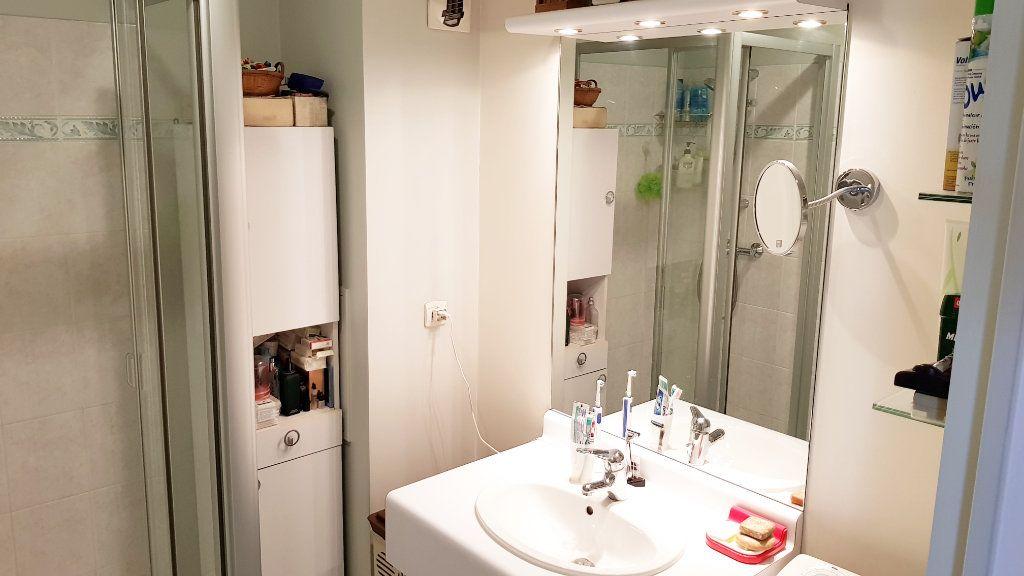 Appartement à vendre 3 64.3m2 à Saint-Gratien vignette-12