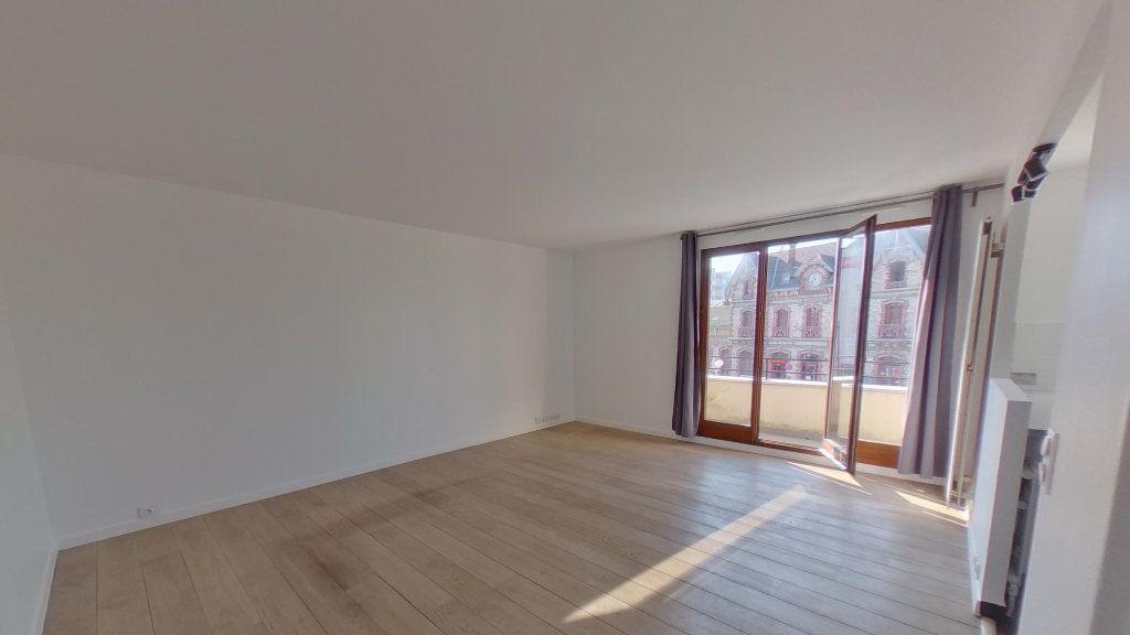 Appartement à louer 3 68.36m2 à Saint-Gratien vignette-3