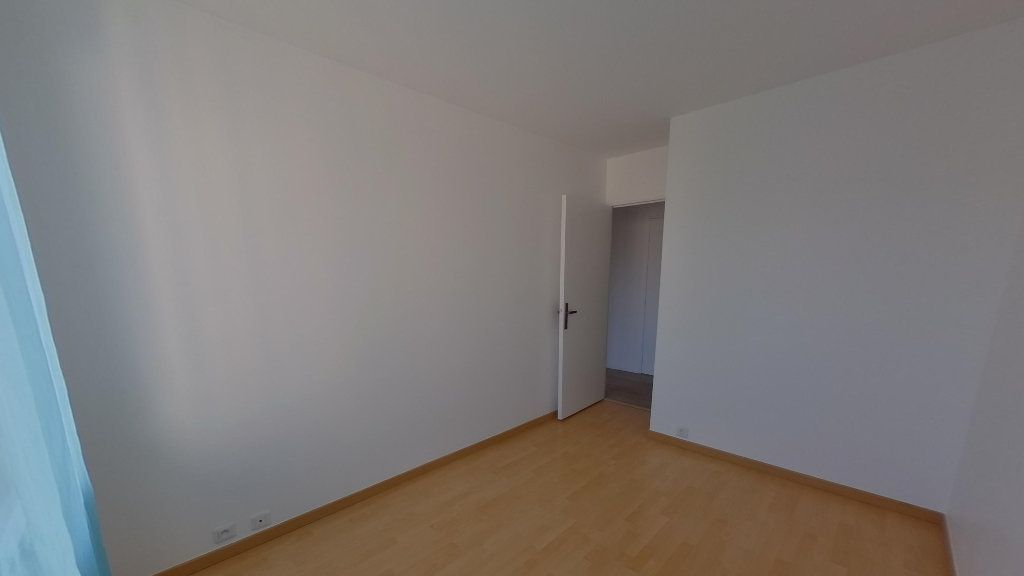 Appartement à louer 3 68.36m2 à Saint-Gratien vignette-8