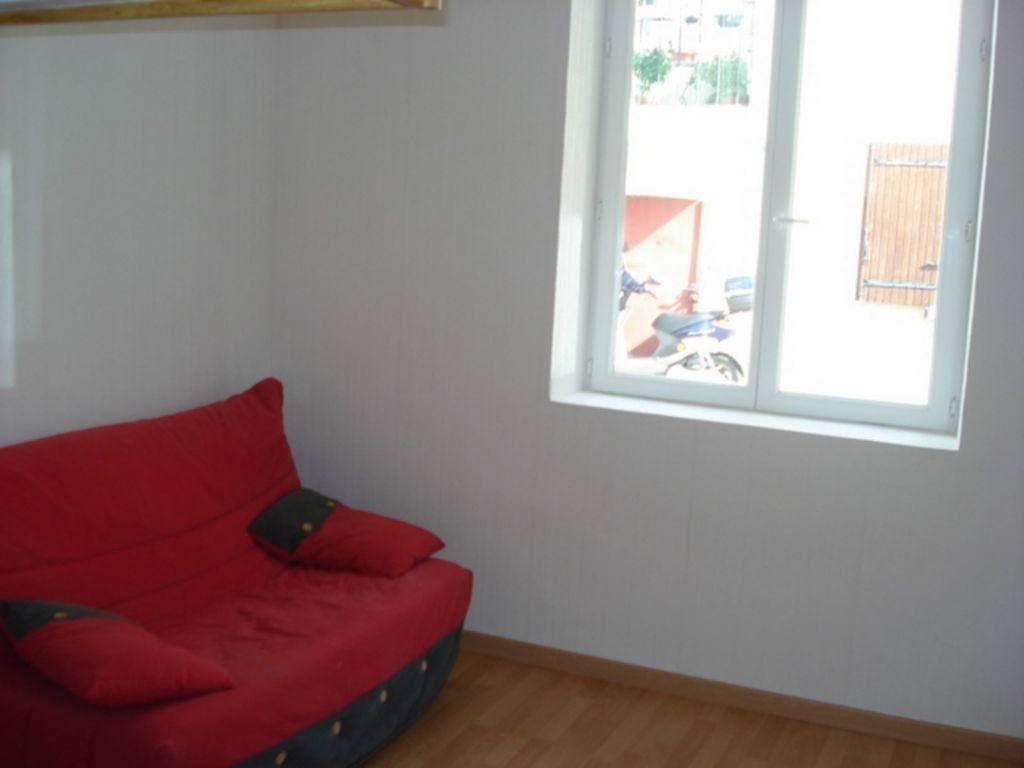 Appartement à louer 1 25m2 à Toulon vignette-2