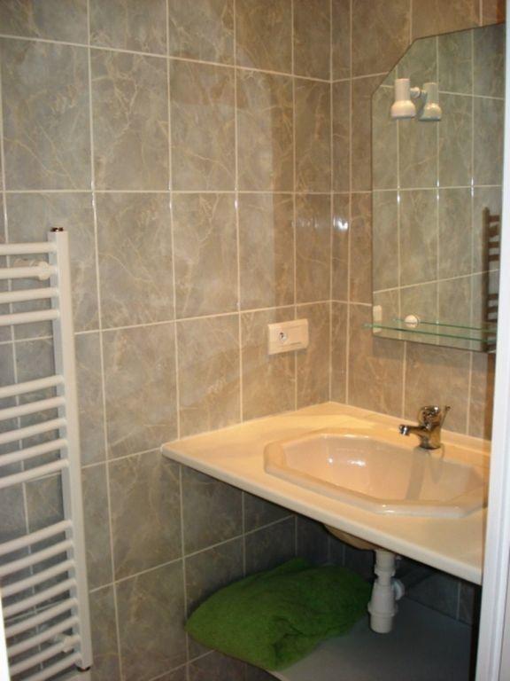 Appartement à louer 1 25m2 à Toulon vignette-4
