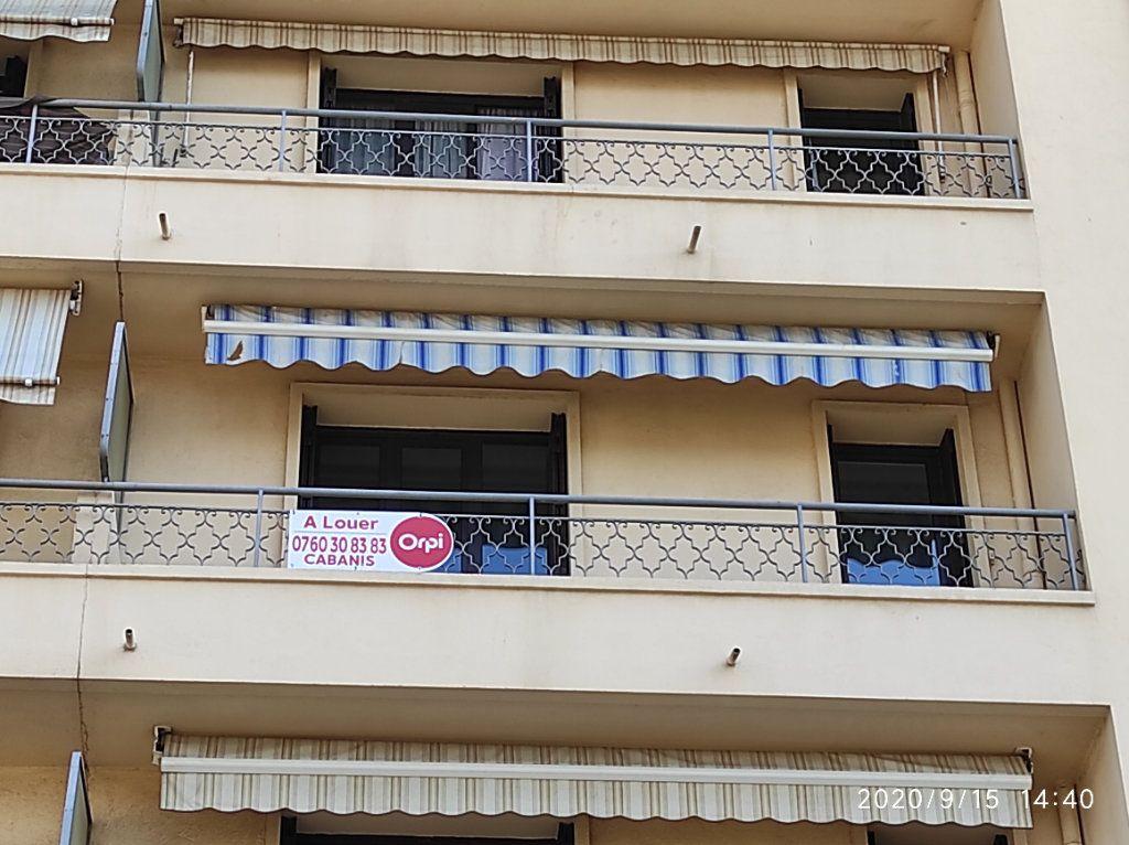 Appartement à louer 3 64m2 à Toulon vignette-8