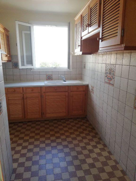 Appartement à louer 3 64m2 à Toulon vignette-9